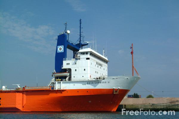 Picture of Dock Express 11, Semi-submersible heavy lift vessel, Southampton. - Free Pictures - FreeFoto.com