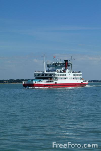 Picture of Red Funnel Southampton - Cowes Passenger Vehicle Ferry - Free Pictures - FreeFoto.com