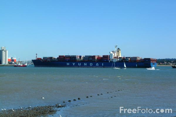 Picture of 4,400TEU Hyundai Admiral container vessel - Free Pictures - FreeFoto.com