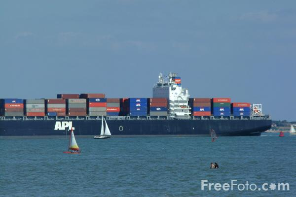 Picture of APL Malaysia 4,000-TEU panamax ship - Free Pictures - FreeFoto.com