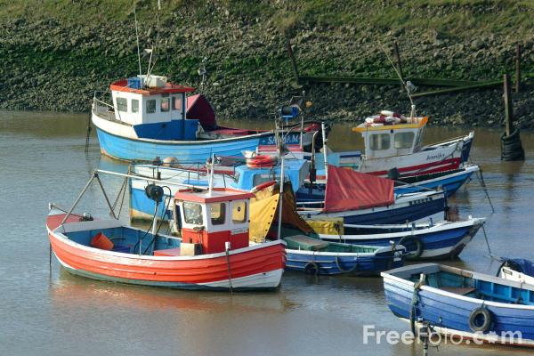 Picture of Fishing Boats, Paddies Hole, South Gare, Cleveland - Free Pictures - FreeFoto.com