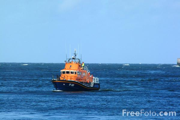 Picture of RNLI Lifeboat, Tynemouth - Free Pictures - FreeFoto.com