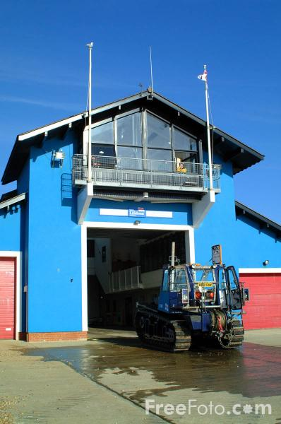 Picture of Hastings Lifeboat Station - Free Pictures - FreeFoto.com
