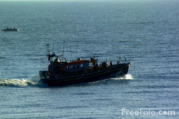 Picture of Hastings RNLI Lifeboat - Free Pictures - FreeFoto.com