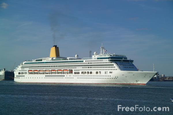 Picture of Cruise Liner Aurora, Southampton - Free Pictures - FreeFoto.com