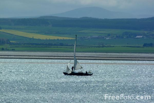 Picture of Yacht, Holy Island, Northumberland - Free Pictures - FreeFoto.com