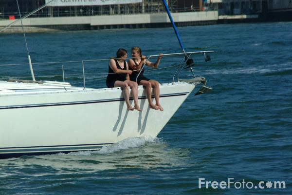 Picture of Sailing, Portsmouth - Free Pictures - FreeFoto.com