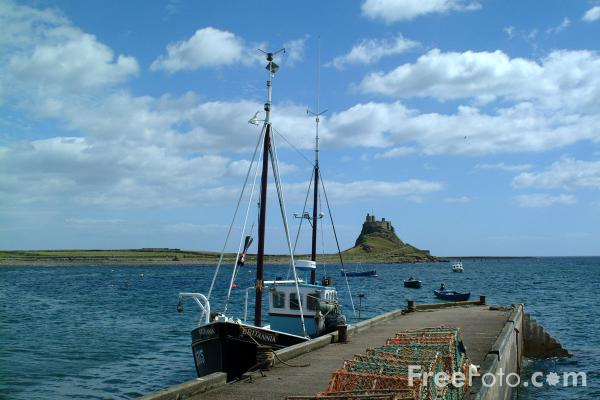 Picture of Fishing Boat, Holy Island, Northumberland - Free Pictures - FreeFoto.com