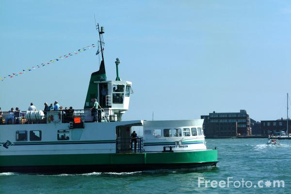 Picture of Gosport Ferry - Free Pictures - FreeFoto.com