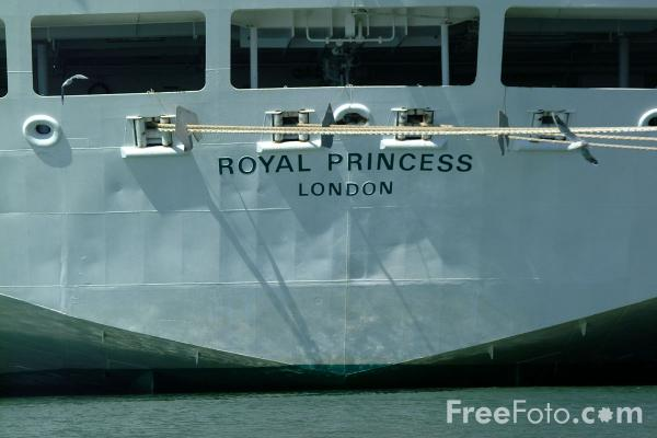 Picture of P and O Royal Princess cruise ship - Free Pictures - FreeFoto.com