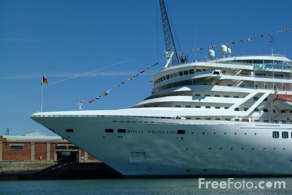 P And O Royal Princess Cruise Ship Pictures Free Use
