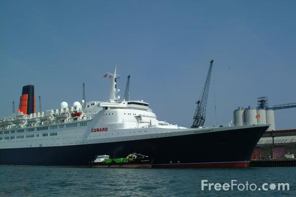 Picture of QE2 Queen Elizabeth 2 the flagship of the Cunard Line. - Free Pictures - FreeFoto.com