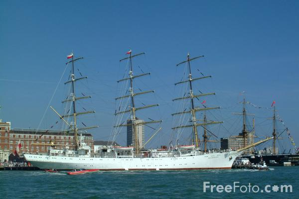 Picture of The tall ship Dar Mlodziezy - Free Pictures - FreeFoto.com