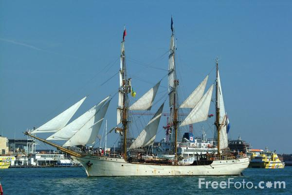 Picture of Europa, Dutch three-masted ship - Free Pictures - FreeFoto.com