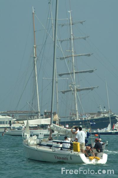 Picture of Cowes Week 2002 - Free Pictures - FreeFoto.com