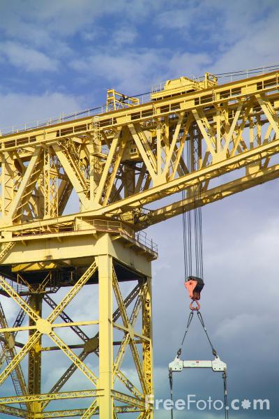 Picture of Shipyard Crane, River Tyne - Free Pictures - FreeFoto.com