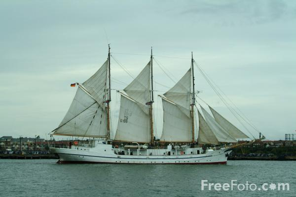 Picture of German vessel Grossherzogin Elisabeth, Tall Ships 2005 Newcastle Gateshead - Free Pictures - FreeFoto.com