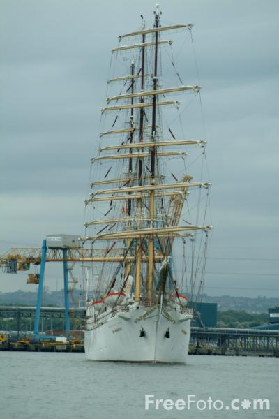 Picture of Dar Mlodziezy, Tall Ships 2005 Newcastle Gateshead - Free Pictures - FreeFoto.com