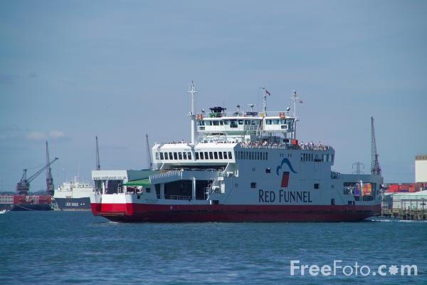 Picture of Red Funnel Southampton - Cowes Ferry Service - Free Pictures - FreeFoto.com