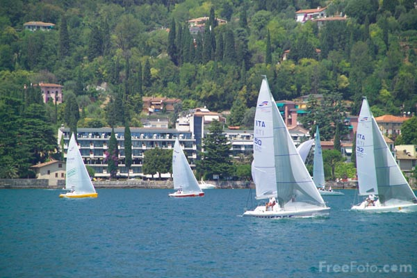 Picture of Sailing - Free Pictures - FreeFoto.com