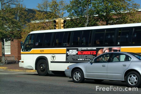 Picture of MBTA Bus Service - Free Pictures - FreeFoto.com