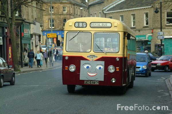 Picture of Vintage Buses - Free Pictures - FreeFoto.com