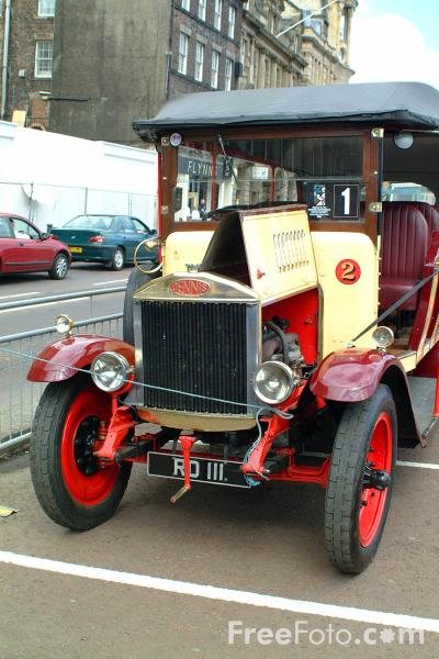 Picture of RD111 Dennis Charabanc - Free Pictures - FreeFoto.com