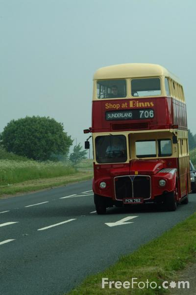 Picture of Routemaster PCN 762 - Free Pictures - FreeFoto.com