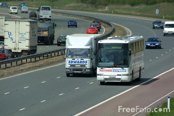 Picture of National Express Coach - Free Pictures - FreeFoto.com