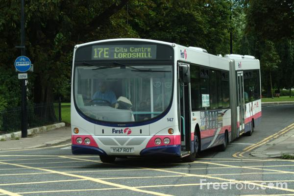 Picture of First Group UK Bus Service, Southampton - Free Pictures - FreeFoto.com