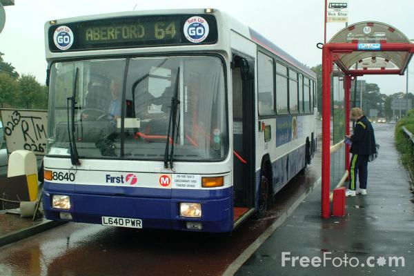 Picture of First Group UK Bus Service, Leeds - Free Pictures - FreeFoto.com