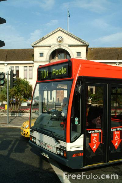 Picture of Wilts and Dorset Bus Service, Poole - Free Pictures - FreeFoto.com