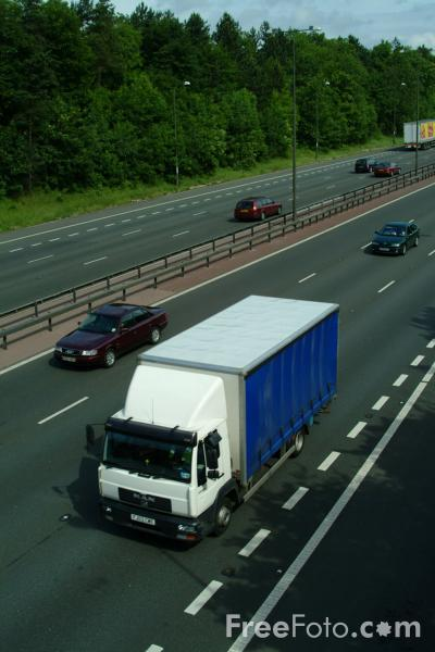 Picture of Lorry, M1 Motorway, Junction 25, Nottinghamshire - Free Pictures - FreeFoto.com