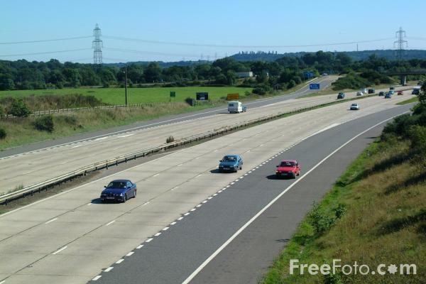 Picture of M27 Motorways - Free Pictures - FreeFoto.com