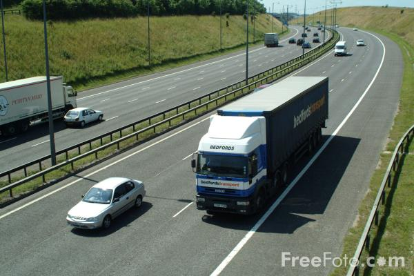 Picture of M62 Motorway - Free Pictures - FreeFoto.com