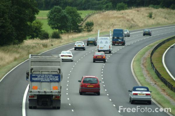 Picture of M4 Motorway, Wiltshire - Free Pictures - FreeFoto.com