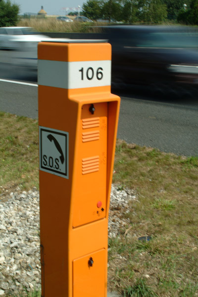 Picture of Emergency Phone, Autoroute A10 France - Free Pictures - FreeFoto.com