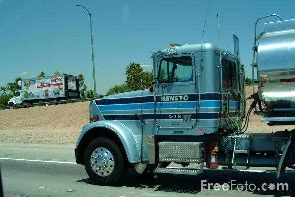 Picture of Tanker, Interstate 17, Phoenix, AZ - Free Pictures - FreeFoto.com
