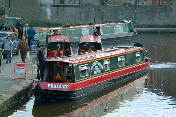 Picture of Canal Boats, Skipton, North Yorkshire - Free Pictures - FreeFoto.com