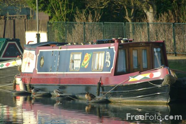 http://www.freefoto.com/images/2039/01/2039_01_2---Canal-Boat--Bingley-Five-Rise--North-Yorkshire_web.jpg