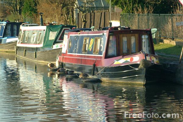 The River Thames Guide - C Information - C Boats, Boating