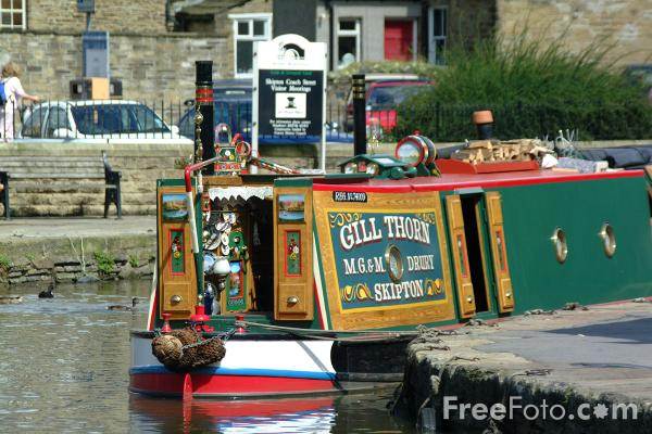 Picture of Narrow Boat, Skipton, Leeds and Liverpool Canal - Free Pictures - FreeFoto.com