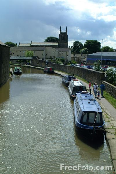 Picture of Canal Boats, Skipton, Leeds and Liverpool Canal - Free Pictures - FreeFoto.com