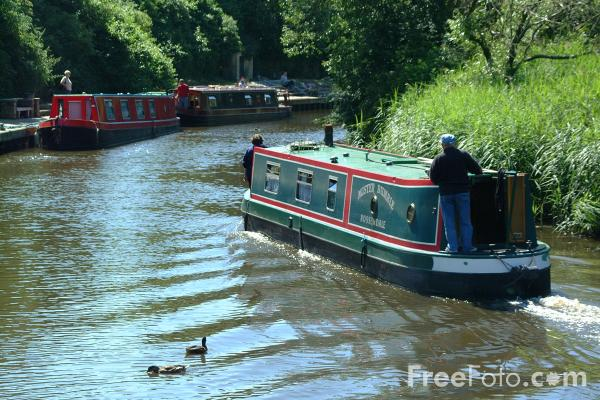 Picture of Canal Boat, Foulridge Wharf, Leeds and Liverpool Canal - Free Pictures - FreeFoto.com