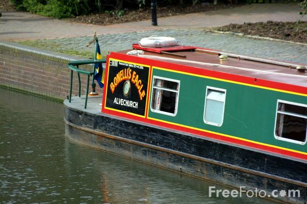 Picture of Canal boat on the Birmingham Canal Navigations. - Free Pictures - FreeFoto.com