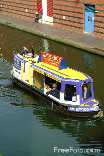 Picture of Water Bus on the Birmingham Canal Navigations. - Free Pictures - FreeFoto.com