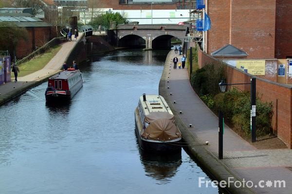 Picture of Canal boats on the Birmingham Canal Navigations. - Free Pictures - FreeFoto.com