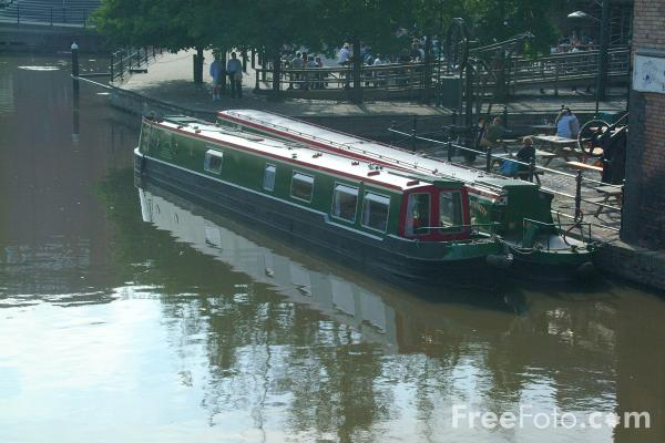 Picture of Canal boats on the Nottingham Beeston Canal. - Free Pictures - FreeFoto.com