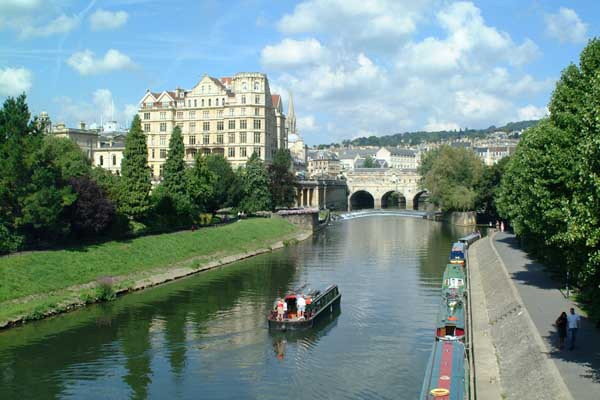 Picture of Narrow boats on The River Avon, Bath. - Free Pictures - FreeFoto.com