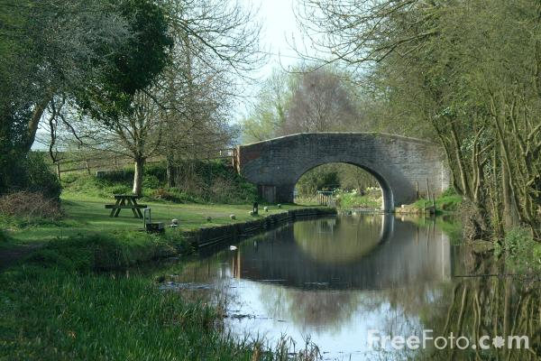 Picture of The Montgomery Canal, Near Welshpool, Powys, Wales - Free Pictures - FreeFoto.com